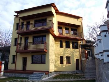 (c) http://www.villa-boyana.com