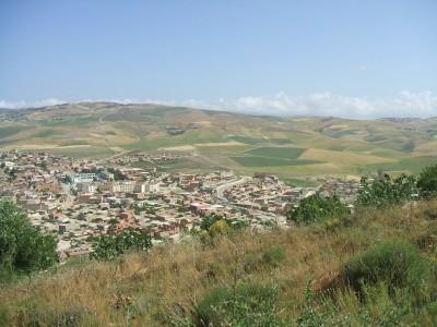 Vue Générale du Village de Tadjena (Chlef-Algérie)