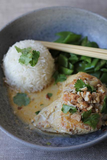 Curry de poulet au lait de coco et noix de cajou 1