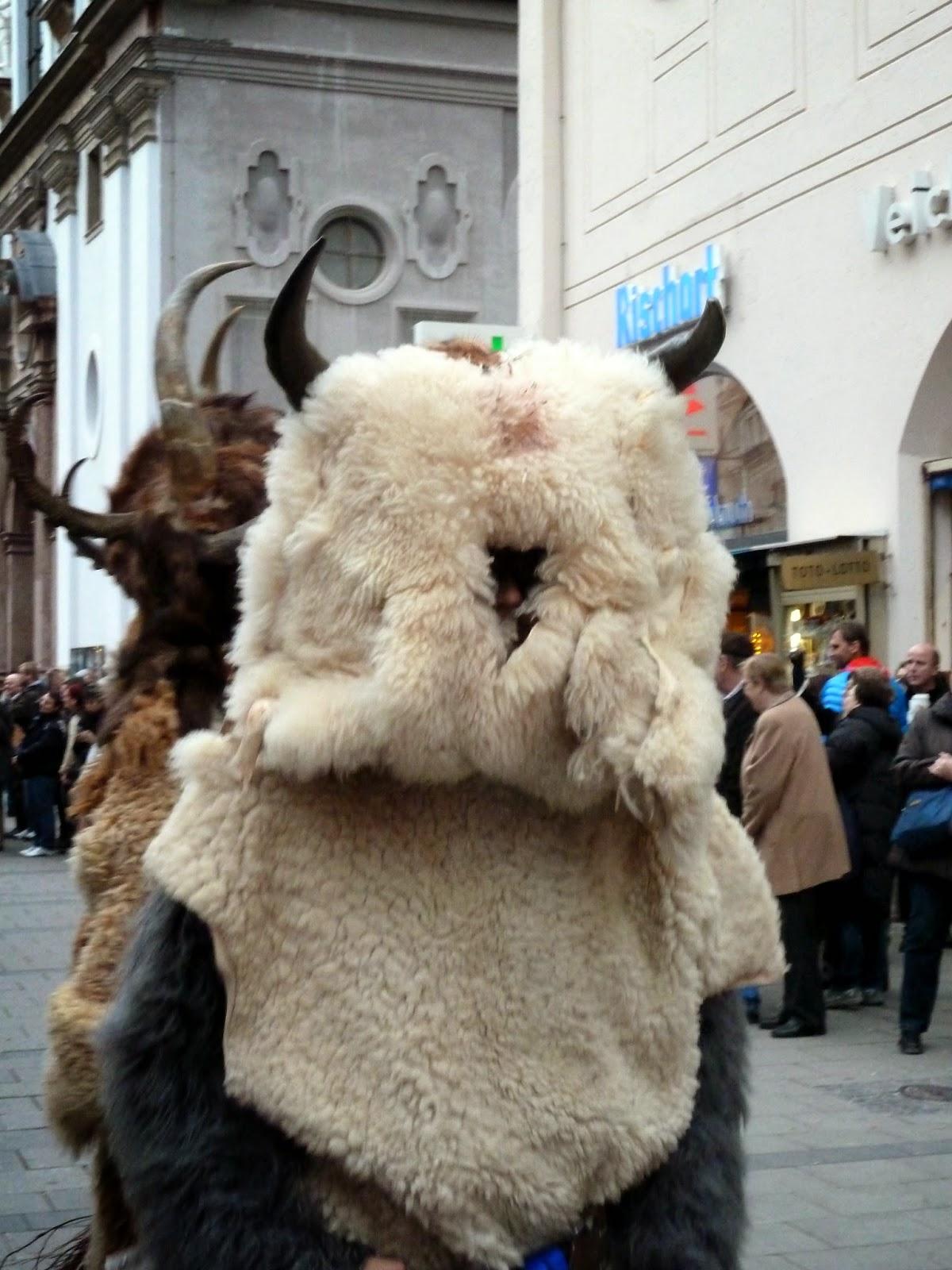 Bêtes à cornes à Munich lors de la saint nicolas