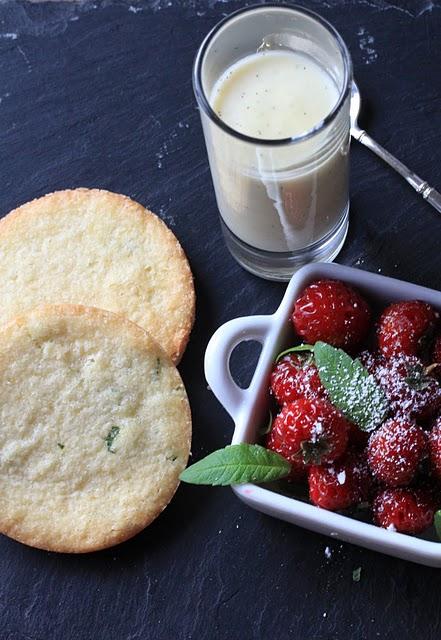 Sablés bretons à la verveine ; succulents avec des fruits rouges (Recette bretonne) 1