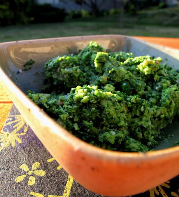 Sauce pesto roquette noix ; variation du pesto de la cuisine genoise (Recette italienne) 1