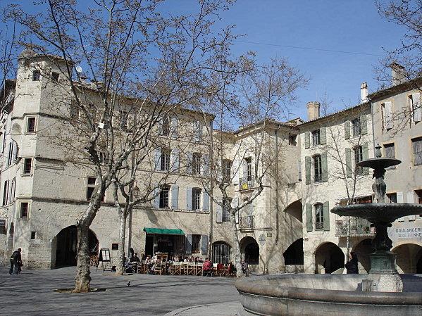 Uzès: premier Duché de France (Tourisme en France) 19