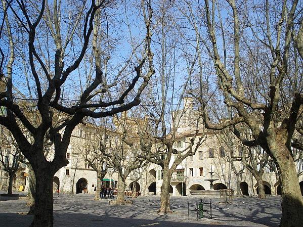 Uzès: premier Duché de France (Tourisme en France) 18