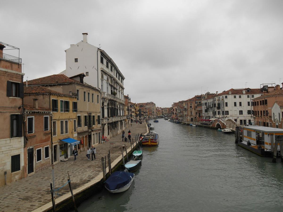 Canal reliant le Grand Canal à la lagune Nord.