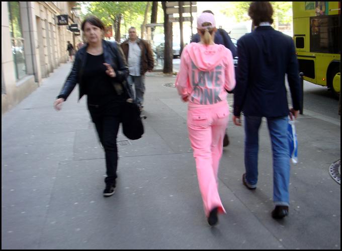 fille-pink-love.1274374390.jpg
