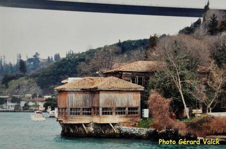 Vieux yali sur le Bosphore