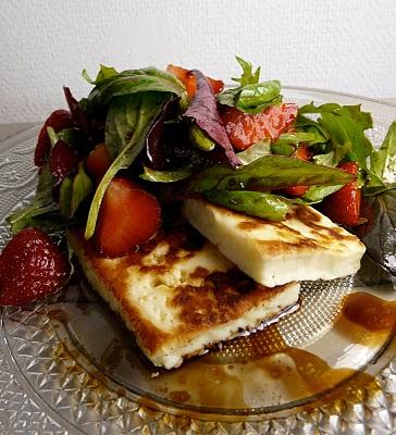 Salade chypriote au fromage halloumi et aux fraises (Recette grecque) 3