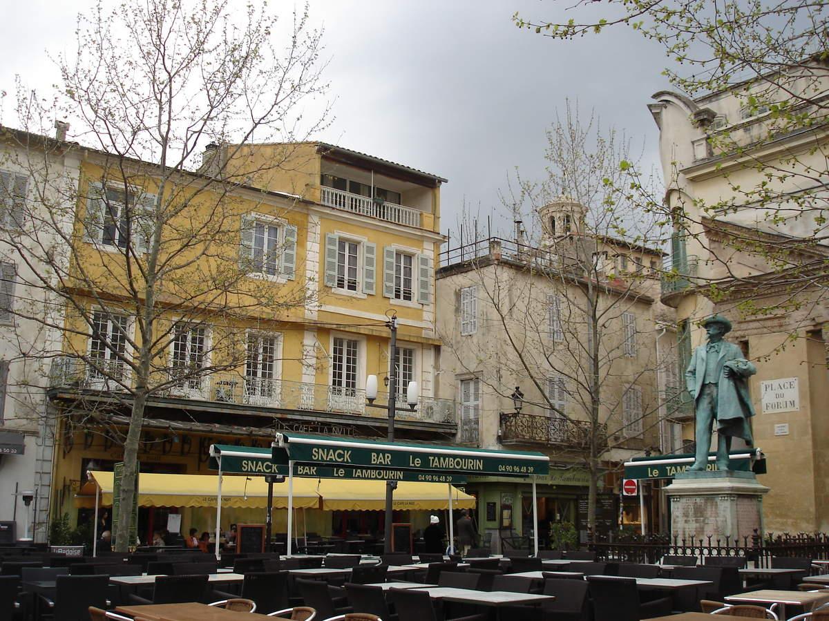 Arles ; ancienne colonie romaine au riche patrimoine historique en Provence 25