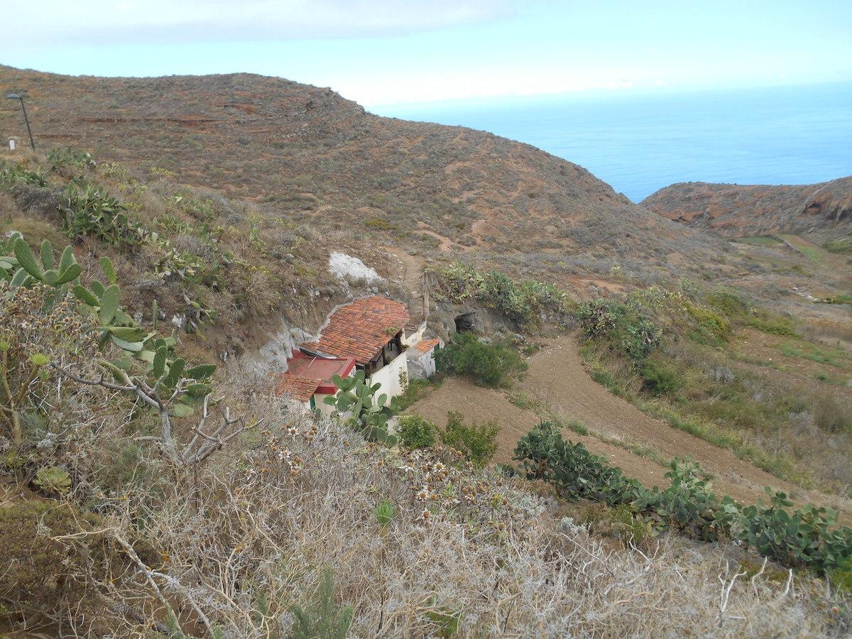 et encore quelques maisons semi-troglodytes.