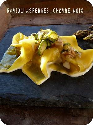 Trilogie d'asperges vertes croustillantes, en raviolis et en soupe 4