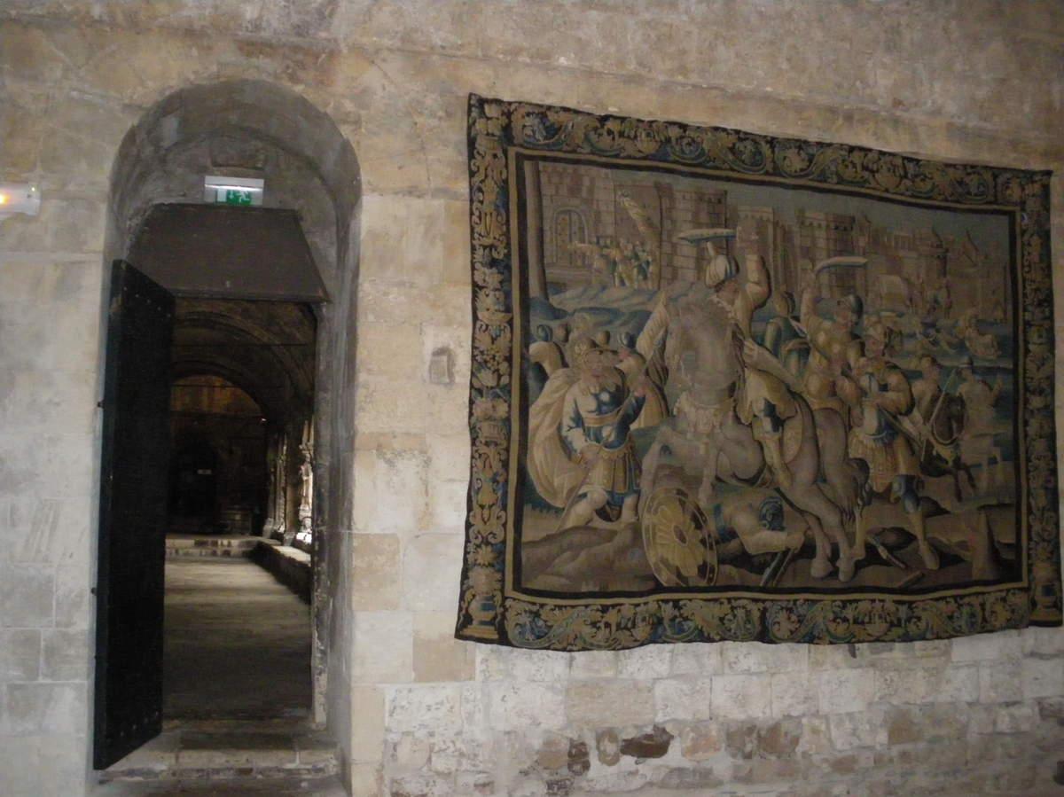 Arles ; ancienne colonie romaine au riche patrimoine historique en Provence 19