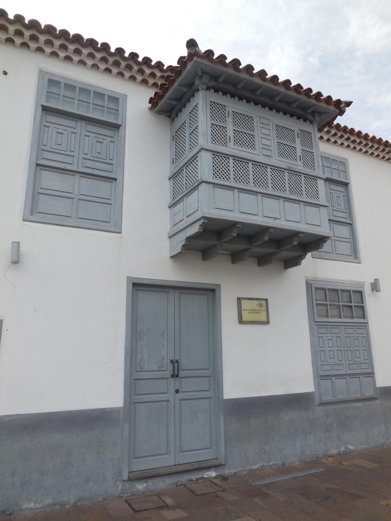 De nombreux balcons ornent les maisons...