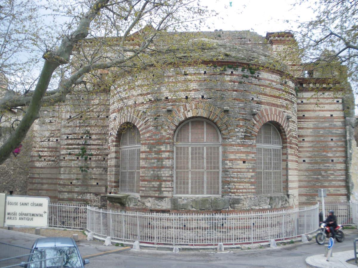Arles ; ancienne colonie romaine au riche patrimoine historique en Provence 28