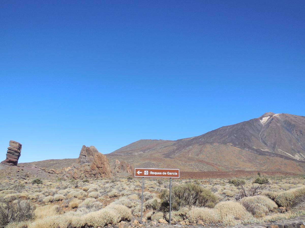 """Un peu plus loin, """"El Roque de Garcia""""..."""