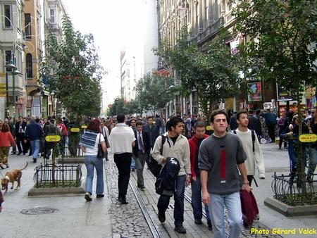 La jeunesse à Taksim Istiklal caddesi