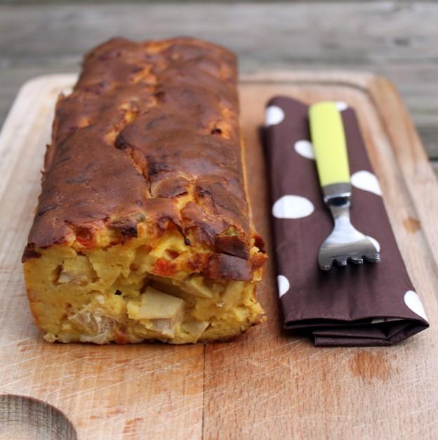 Cake aux tomates, olives, poulet et comté (sans beurre, ni huile, ni farine) 1