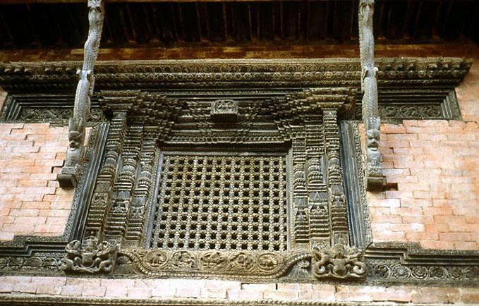 patan fenetre bois sculpte nepal