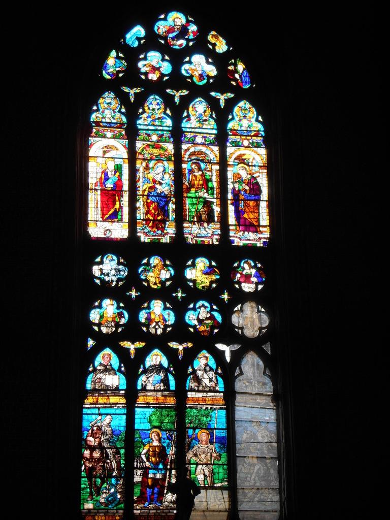 Vitrail gothique, un des plus réussi des maîtres verrier de Murano (D'après des cartons de A. Vivarini et de Cima da Conegliano).