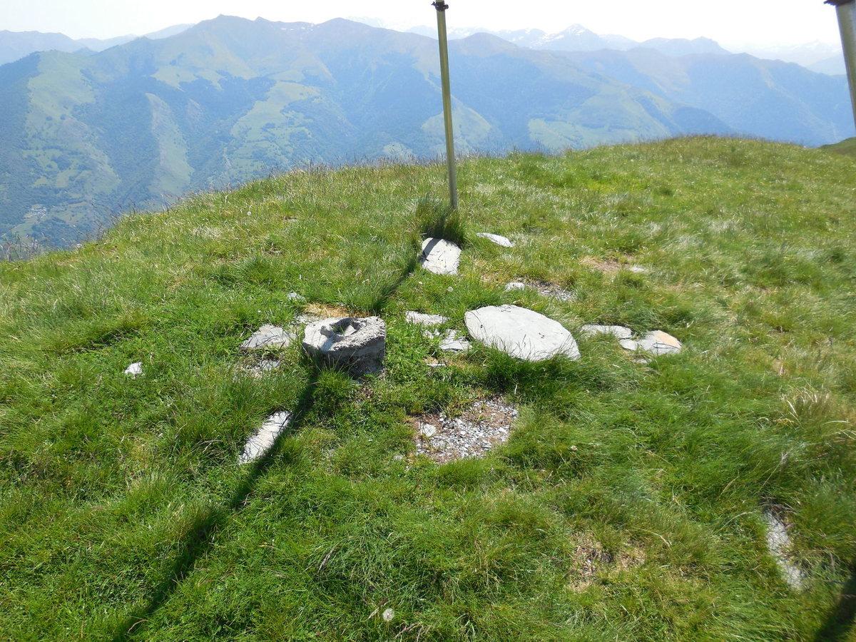 Le sommet d'Antenac (1990 m).