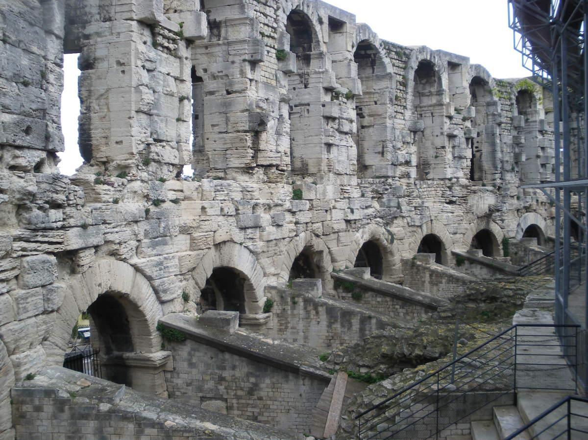 Arles ; ancienne colonie romaine au riche patrimoine historique en Provence 5