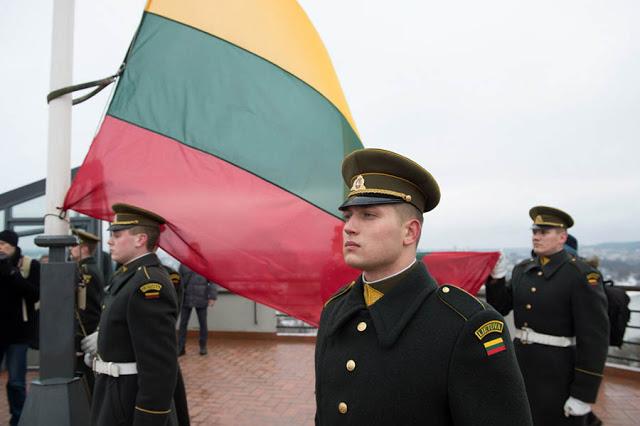Histoire de Lituanie : Drapeaux et autres symboles 12