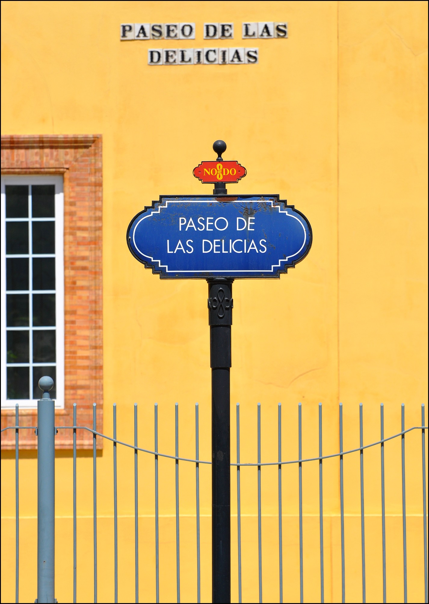 paseo de las delicias seville andalousie