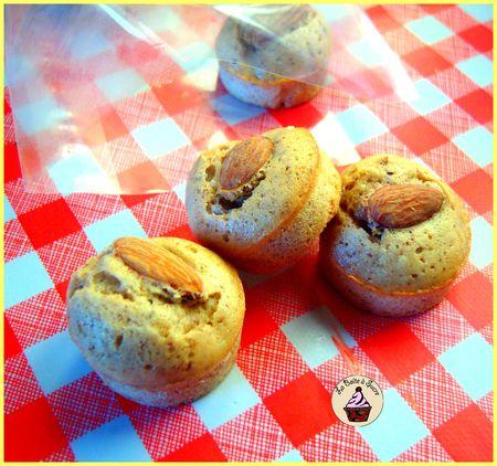 577d4 58316582 p Financiers aux amandes et noisettes ; pâtisseries exquises (Recette francaise)