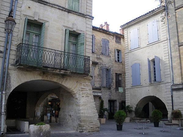 Uzès: premier Duché de France (Tourisme en France) 13