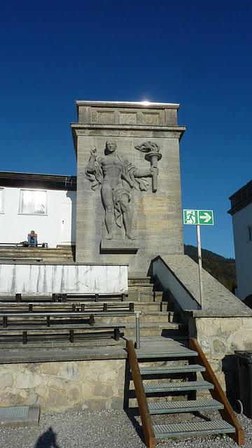 "Garmisch Partenkirchen : Grand tremplin olympique ""Große Olympiaschanze"" (Haute Baviere) 3"