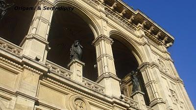 statue du soldat rusde inconnu sur la place de Schwarzenberg
