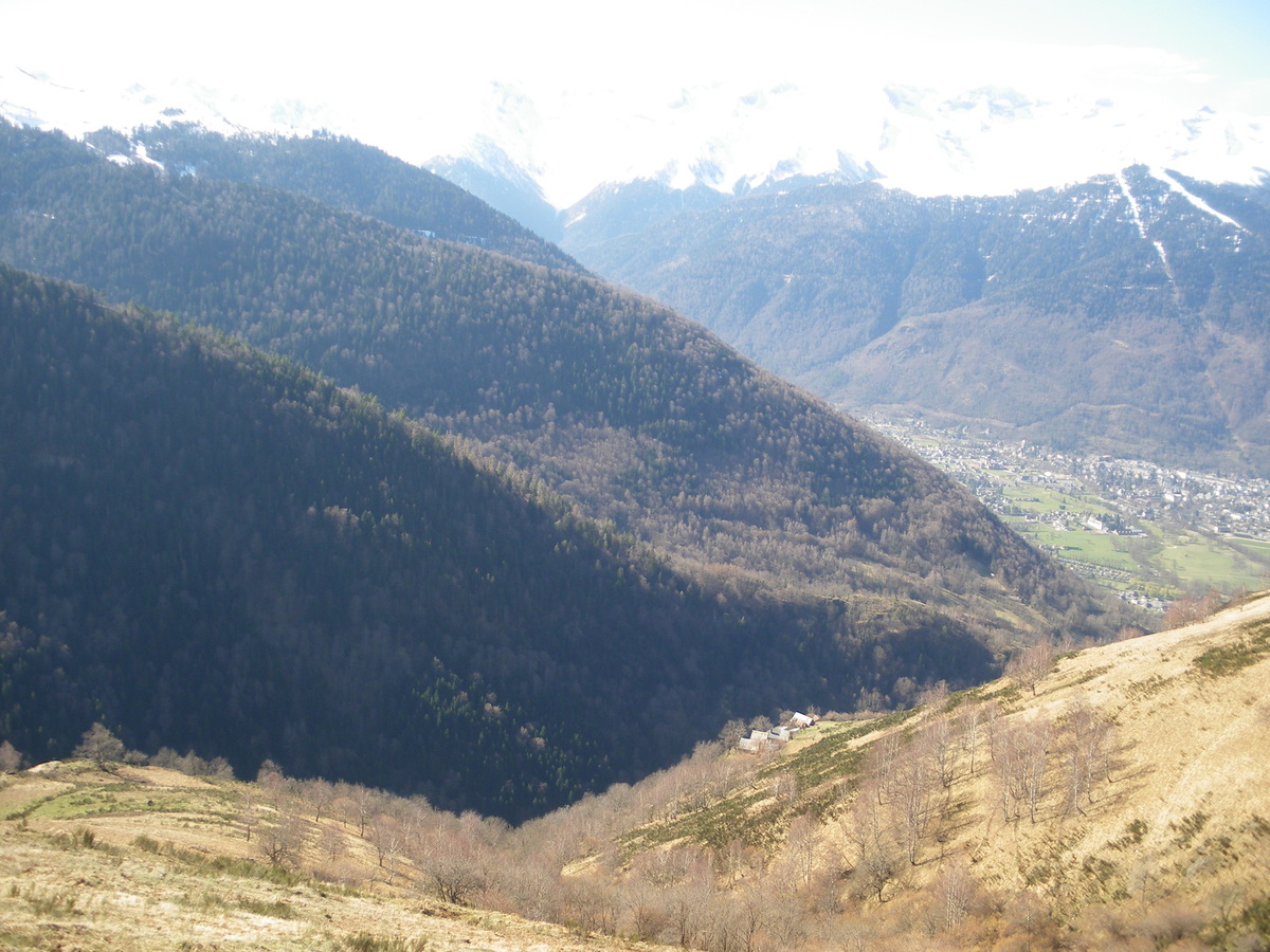 La cabane de Plan Pouné (1568 m) depuis Artigue (Luchonnais)