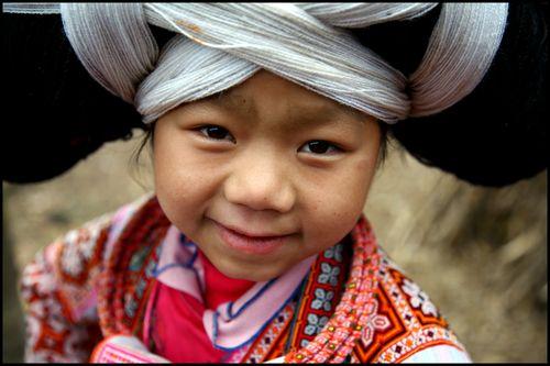 91 - petite fille Miao