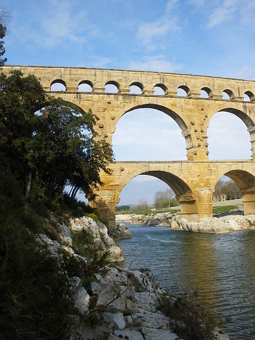 Le Pont du Gard ; superbe ouvrage d'Art romain (Unesco France) 5