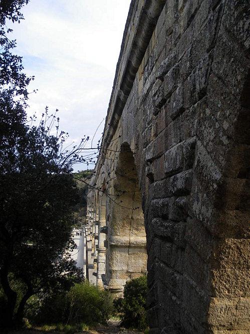 Le Pont du Gard ; superbe ouvrage d'Art romain (Unesco France) 4