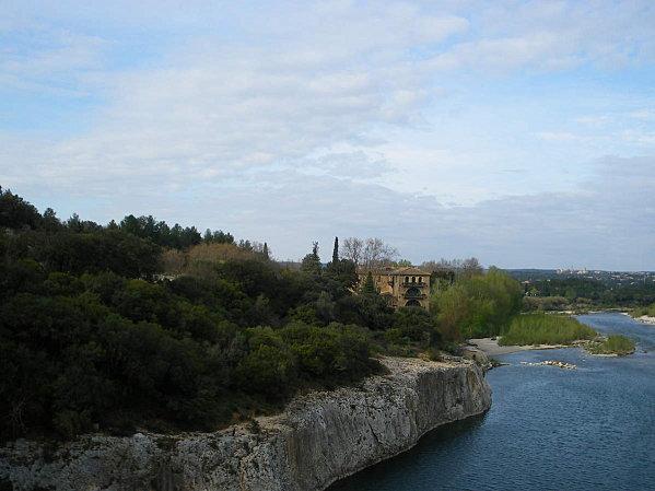 Le Pont du Gard ; superbe ouvrage d'Art romain (Unesco France) 8