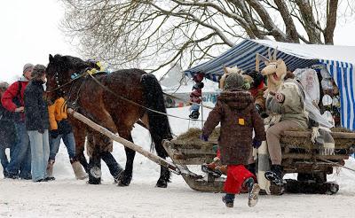 Carnaval Užgavėnės : Traditions en Lituanie pour dire aurevoir à l'hiver 7