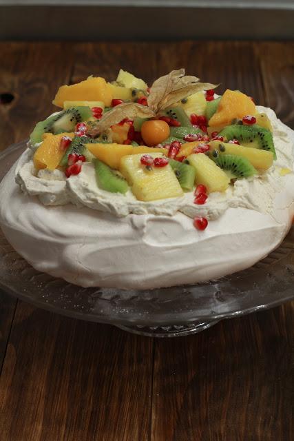 recette australienne pavlova meringue suisse fruits exotiques