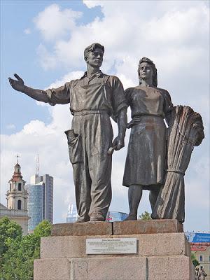 Les statues soviétiques du Pont Vert à Vilnius (Histoire de la Lituanie) 3