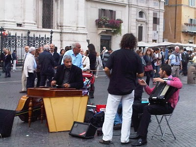 Guide Rome  - Piazza Navona, pêle-mêle du dimanche 8