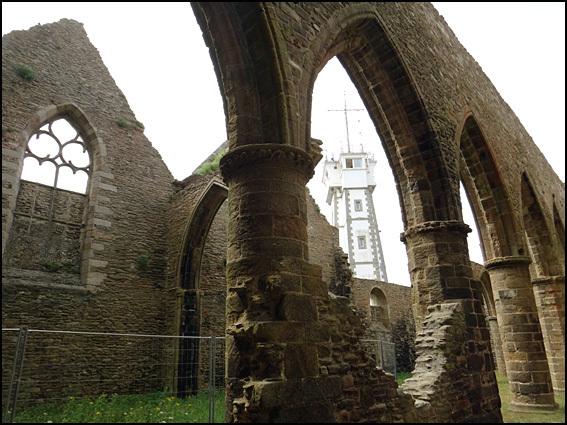 pointe saint mathieu abbaye