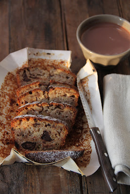 """""""Banana bread"""" bien moelleux aux noix et au chocolat 4"""