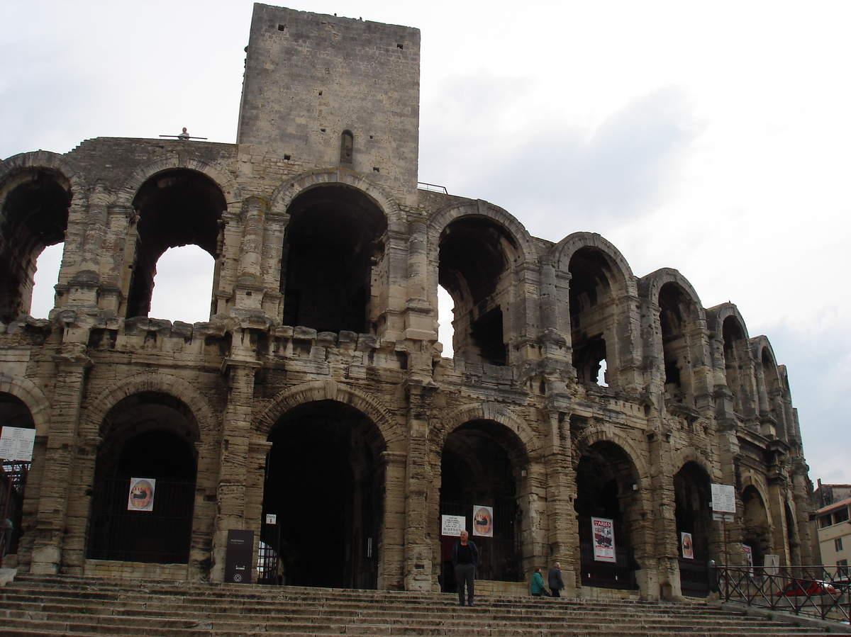 Arles ; ancienne colonie romaine au riche patrimoine historique en Provence 12