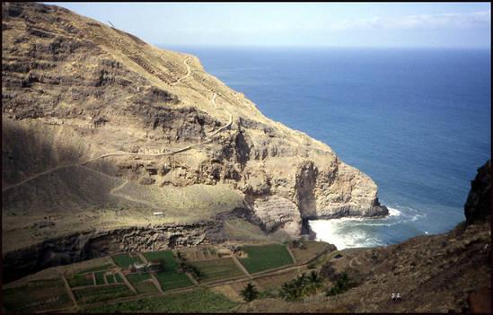 8dc77 cap vert champs en terrasse.1277113081 Voyage Cap Vert   Premiers pas sur les chemins du Cap Vert