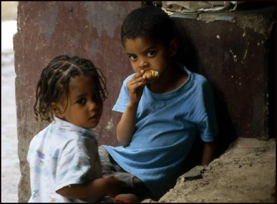 8dc77 cap vert gamin gamine.1277113169 Voyage Cap Vert   Premiers pas sur les chemins du Cap Vert
