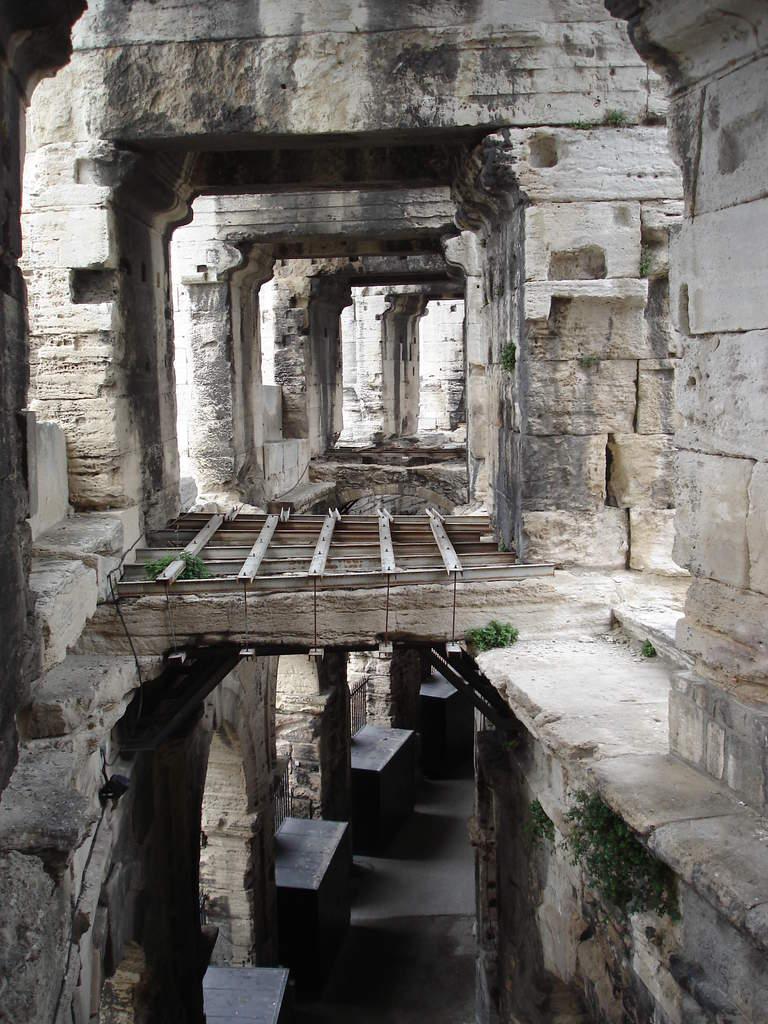 Arles ; ancienne colonie romaine au riche patrimoine historique en Provence 11