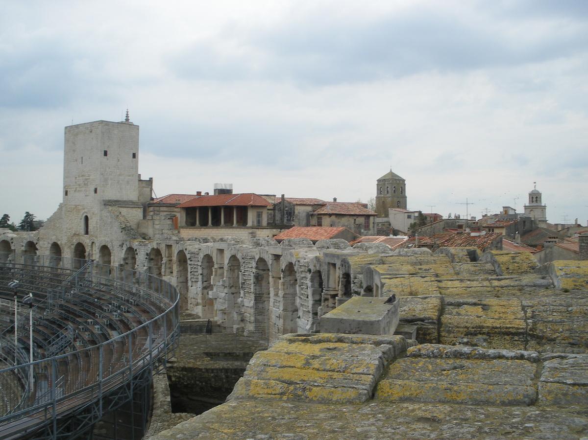 Arles ; ancienne colonie romaine au riche patrimoine historique en Provence 6