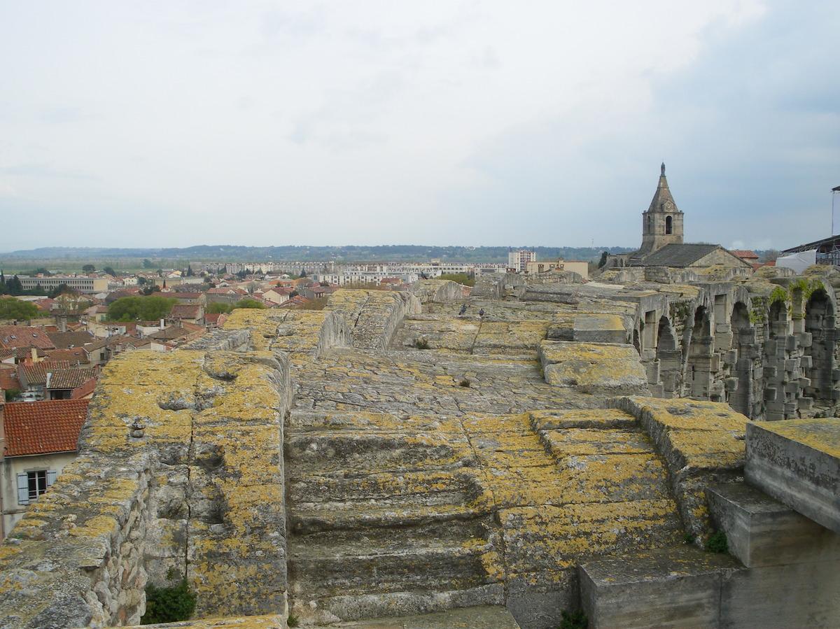 Arles ; ancienne colonie romaine au riche patrimoine historique en Provence 7
