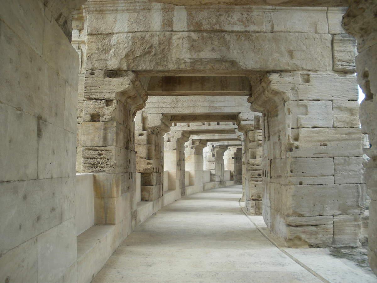 Arles ; ancienne colonie romaine au riche patrimoine historique en Provence 10