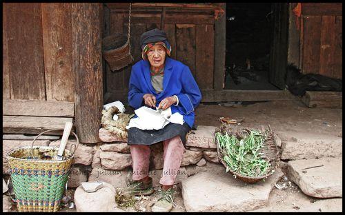 People mountain People sea vieille dame